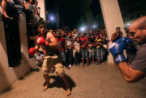 Уличный бокс в Бенгази