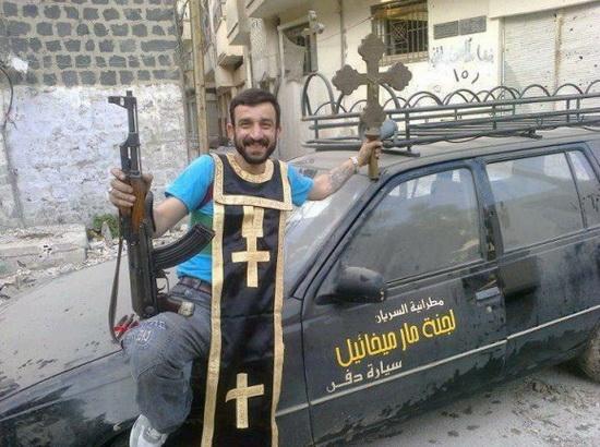 Сирийские суннитские повстанцы разрушают церкви
