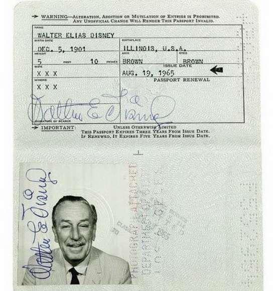 Паспорт Уолта Диснея