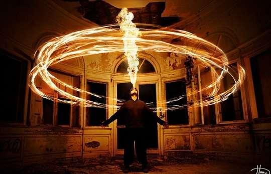 Tom Lacoste_игра с огнем