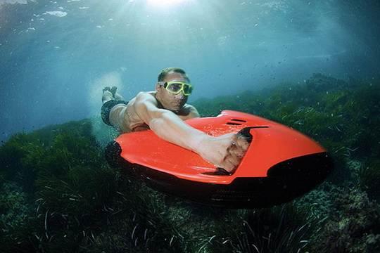 Seabob-Cayago-Underwater-Jetski