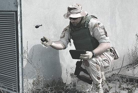 miniatyurnye-drony-2