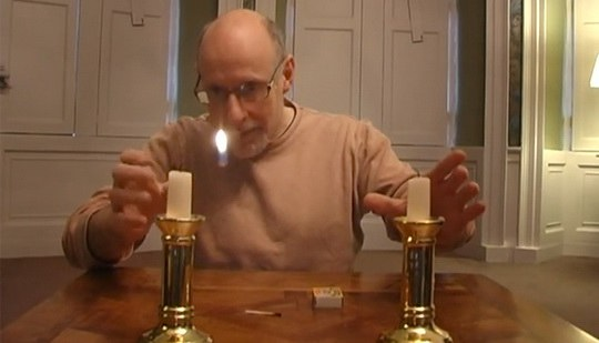 2_candle_trick-