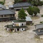 Япония спасается от наводнения