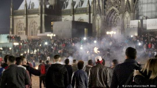 Германия_Кёльн+нападение-на-женщин