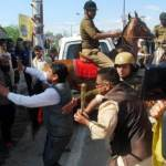 В Индии арестовали политика, искалечившего полицейскую лошадь