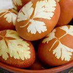 Как красить яйца на Пасху в луковой шелухе