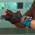 Turn: перчатки, которые превращают язык жестов в речь