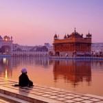 Свет от Золотого храма в Индии: особенности