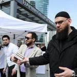 В Германии исламисты массово вербуют беженцев