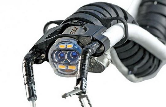 В скором времени робот-змея Flex Robotic System может стать весьма ценным помощником хирургов.