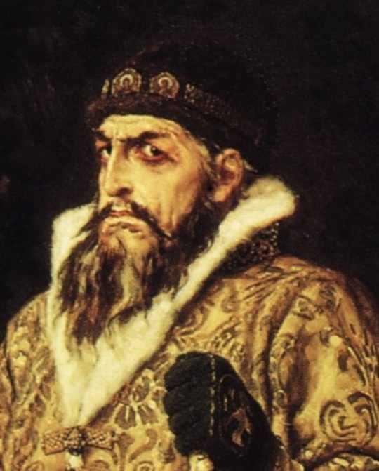 Наиболее известным правителем, казнившим людей с особенной жестокостью и изобретательностью, был Иван Грозный.