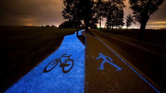 Люминесцентные велосипедные дорожки могут сделать вашу поездку на работу холодной и тоскливой зимой более приятной
