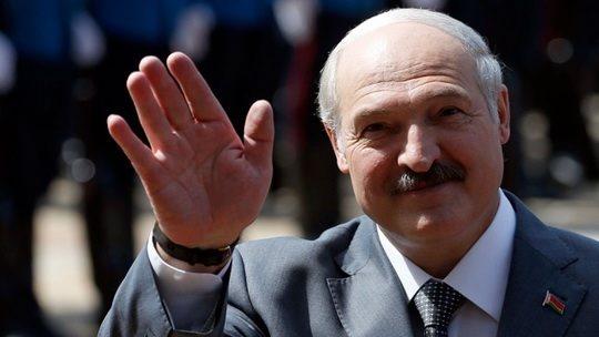 В четверг Александр Лукашенко потребовал от своей администрации «принципиально изменить стиль работы и наладить более эффективную работу с кадрами»
