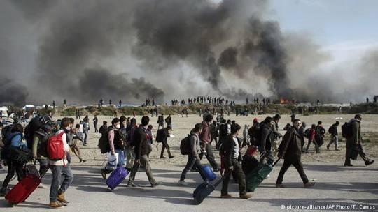 Снос нелегального лагеря беженцев в Кале завершен.