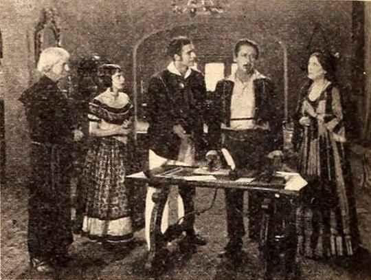 Первый 3D-фильм «Сила любви» был немым — его сняли в 1922 году.