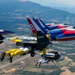 К пилотажной группе французских ВВС присоединились пилоты с реактивными ранцами