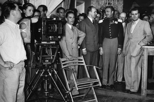 Многие считают, что кинематограф Третьего рейха — это исключительно пропагандистские ленты. Однако это не так.