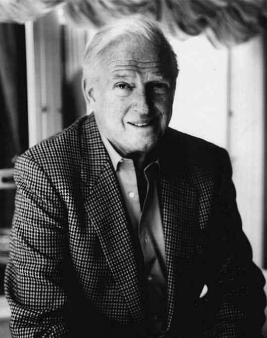 Его романы переведены на 56 языков и изданы тиражом свыше 300 миллионов экземпляров в более чем 100 странах, по его сценариям снято 25 фильмов.