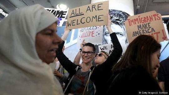 Вашингтон стал первым американским штатом, подавшим в суд иск против иммиграционной политики президента США