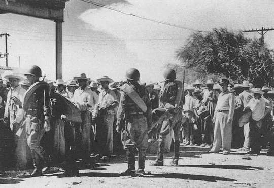 К началу 1950-х годов в США, по данным The New York Times, через южную границу с Мексикой проникало до одного миллиона нелегальных мигрантов в год