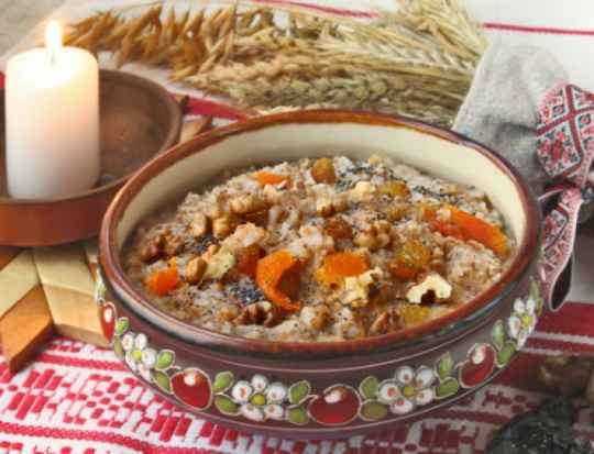 Кутья на Рождество – одно из двенадцати традиционных блюд рождественского стола.