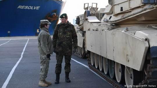 США начинают размещение в Европе бронетанковой бригады