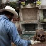 Чистильщики могил: люди с самой жуткой профессией