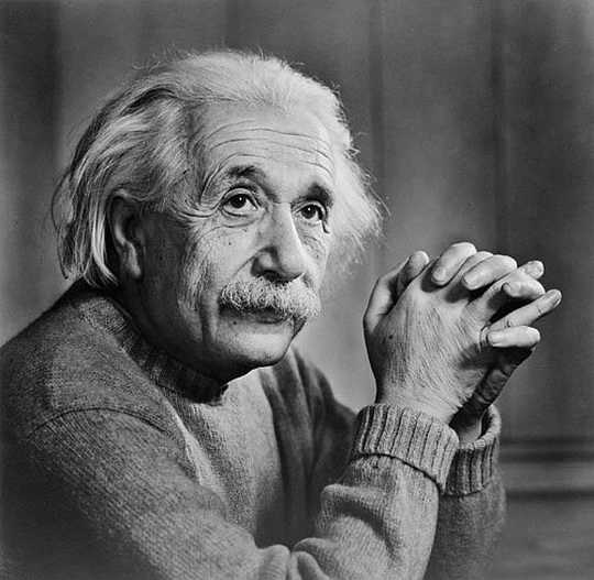Альберт Эйнштейн (14 марта 1879 — 18 апреля 1955) – гениальный физик, положивший основу развития современной физики.