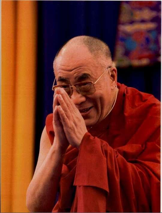 Далай Лама XIV, политический лидер Тибета, который боролся за создание на его территории демократического государства, независимого от Китая.