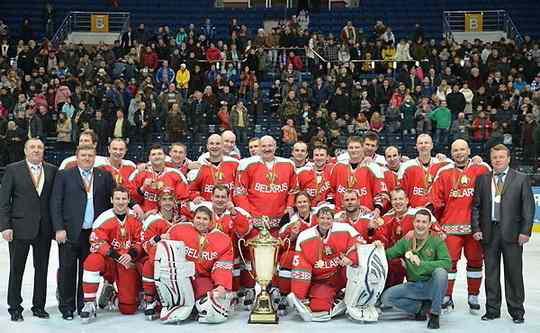 Второй бомбардир нынешнего чемпионата Беларуси и еще 4 хоккеиста экстралиги сыграют за команду Александра Лукашенко