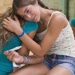 Ежегодно в Греции 30000 девочек-подростков совершают аборты