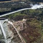 В Калифорнии объявлена эвакуация из-за риска разрушения самой высокой в США плотины