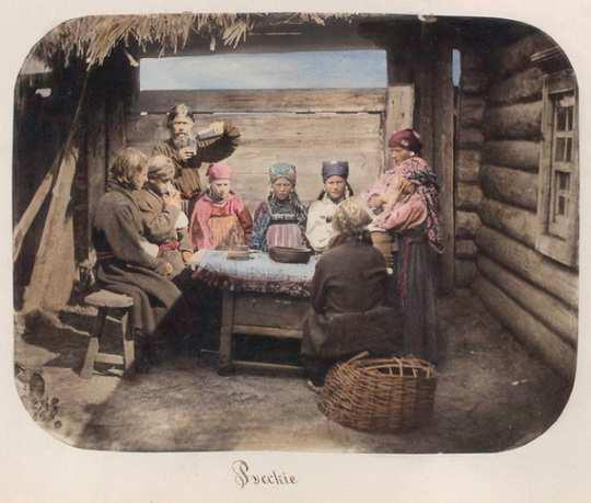 Питание в русской деревне конца XIX века отличалось однообразием: ржаной хлеб, капуста и картошка.