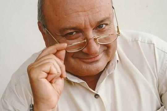 ЖВАНЕЦКИЙ Михаил Михайлович - известный советский, российский писатель-сатирик, популярный исполнитель своих произведений.