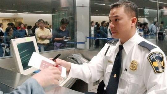 Президент США Дональд Трамп подписал указ о пересмотре программы распределения временных рабочих виз,
