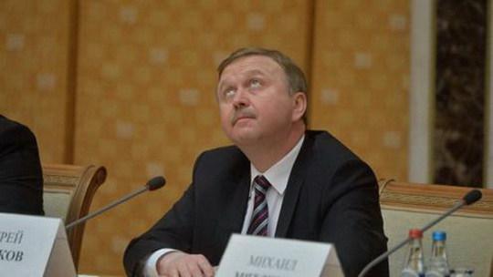 Всегда осторожный в высказываниях премьер-министр Андрей Кобяков во вторник был не похож на себя.