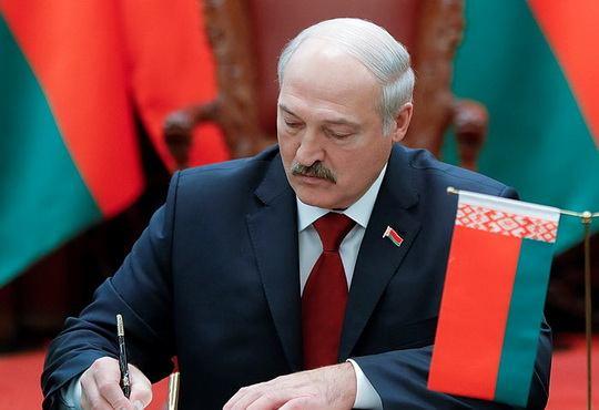 Александр Лукашенко наконец подписал Таможенный кодекс Евразийского экономического союза.