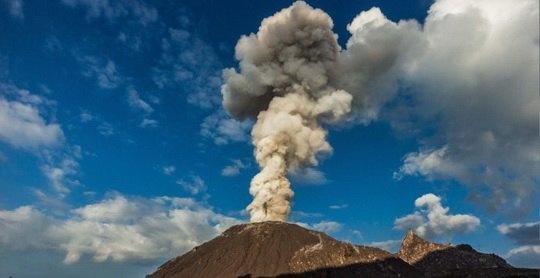 Ролик был создан группой исследователей Кембриджского университета. На ваших экранах извержение вулкана в Гватемале.