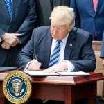 Трамп продлил действие санкций против Сирии на год