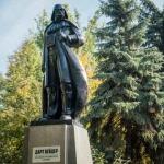 В кого превратили памятник Ленину в Одессе, чтобы не демонтировать его?