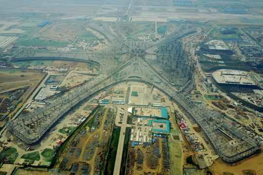 Недалеко от Пекина полным ходом идет строительство нового аэропорта