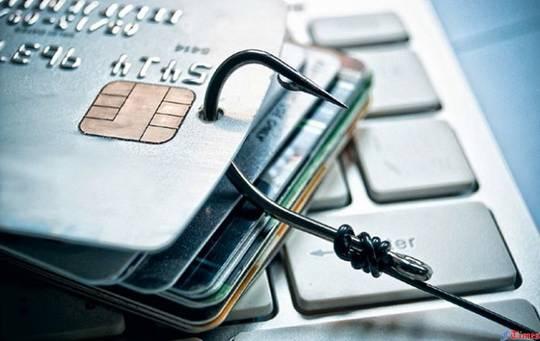За минувший год кибермошенники украли с банковских карт россиян 650 рублей.