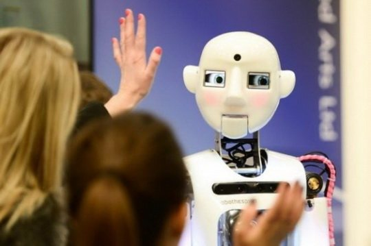 Программисты соцсети Facebook отключили одну из систем искусственного интеллекта из-за создания ботами собственного языка