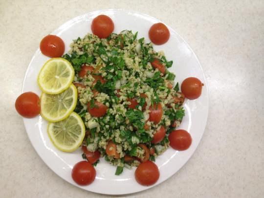 Табуле — салат, закуска, основными ингредиентами которого являются булгур (реже кускус) и мелко порубленная петрушка.