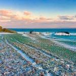 В каких местах на планете можно посетить стеклянные пляжи?