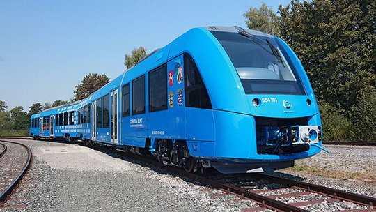 В ближайшем будущем между городами федеральной земли Нижняя Саксония начнут курсировать поезда на водородных топливных элементах.