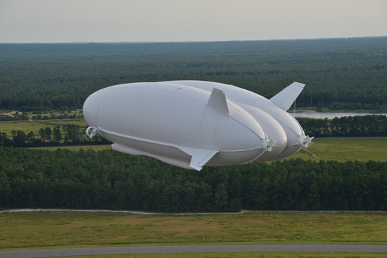 worlds-largest-aircraft-airlander-10_новый размер