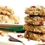 Рецепты диетического овсяного печенья с творогом, яблоками, изюмом