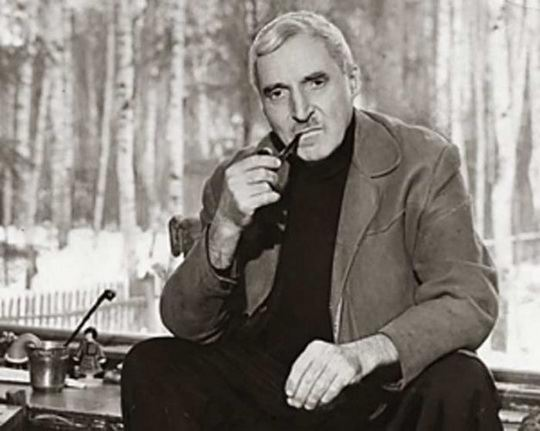 Симонов Константин (Кирилл) Михайлович, (1915-1979) русский советский писатель